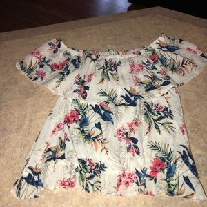 SALE 🎈American Eagle off the shoulder top size M